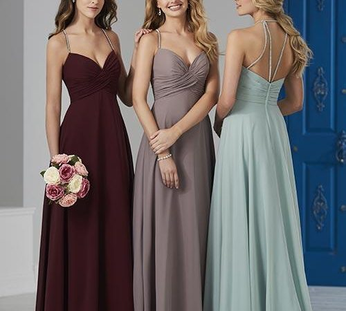 Tips For Choosing the Right Bridesmaids Dresses